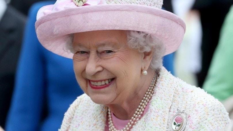 Gran Bretagna La Regina Elisabetta Ii Dice Basta Alle Pellicce Corriere Dello Sport