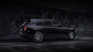 Rolls Royce Cullinan Black Badge, le foto