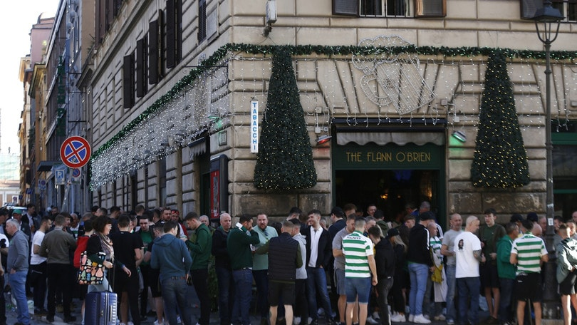 Lazio-Celtic: 12 arresti e un tifoso accoltellato nella notte a Roma