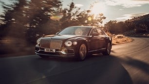 Nuova Bentley Flying Spur: le immagini