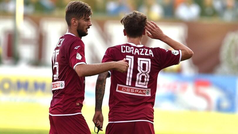 Reggina cannibale con Corazza e Reginaldo: 2-0 alla Casertana. Bari corsaro a Bisceglie