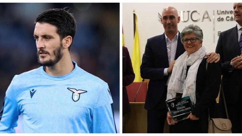 Lazio, Luis Alberto premiato in Spagna: alla cerimonia c'è la madre