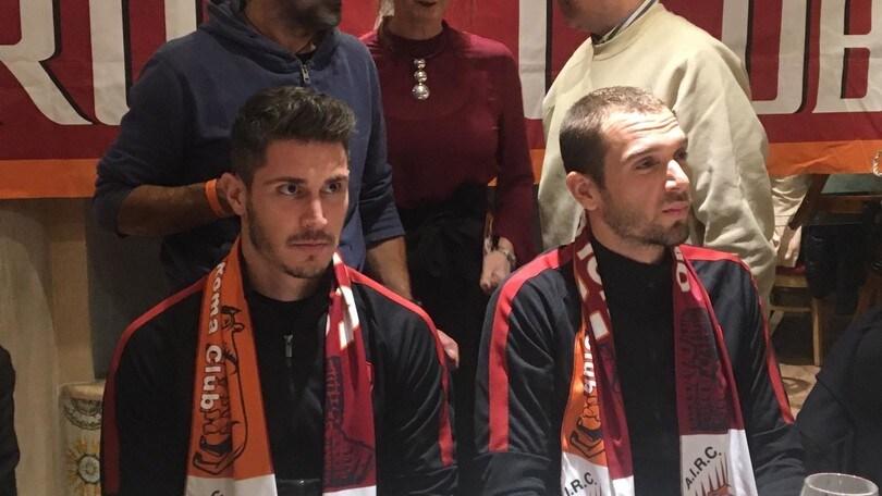 """Roma, Cetin e Pau Lopez a cena con i tifosi. Il portiere: """"Speriamo di vincere qualcosa"""""""