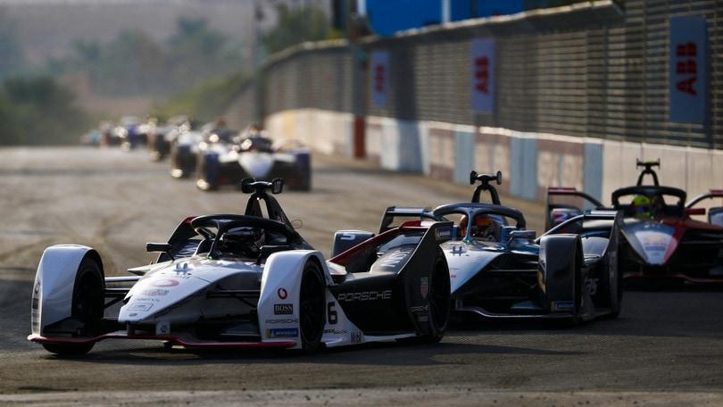 Formula E Riad: Lotterer, attacco frenato dai dubbi sulla carica