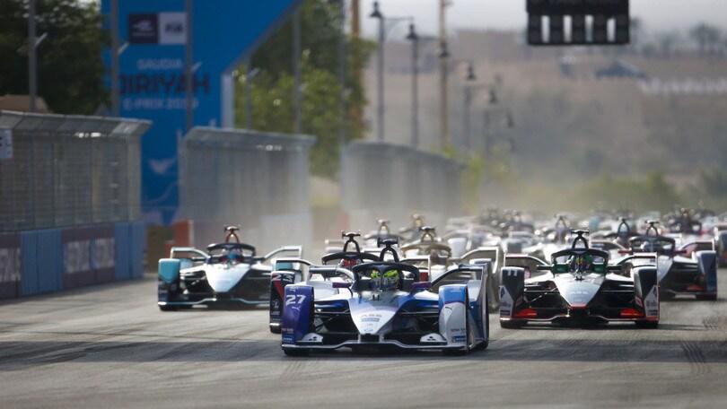 Formula E, Gara-2 ePrix Diriyah: Sims porta in trionfo BMW