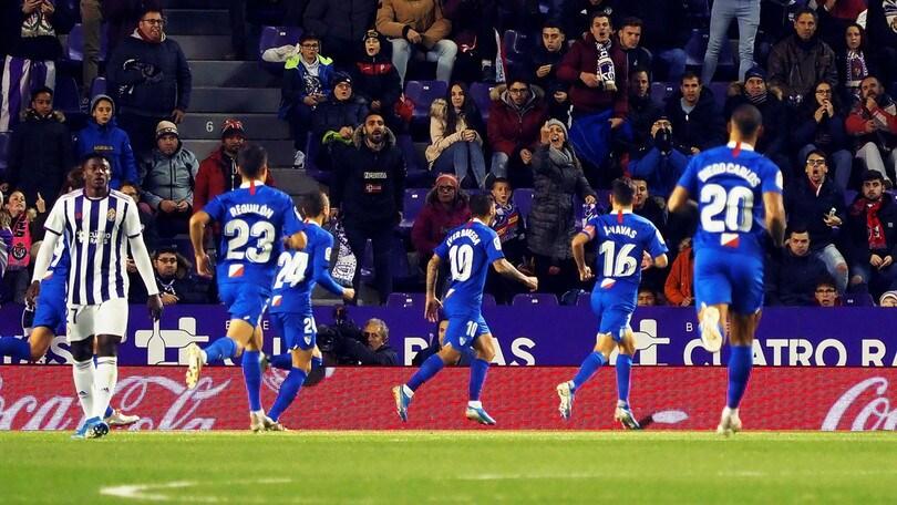 Liga: Banega regala i tre punti al Siviglia, vince in trasferta l'Athletic Bilbao