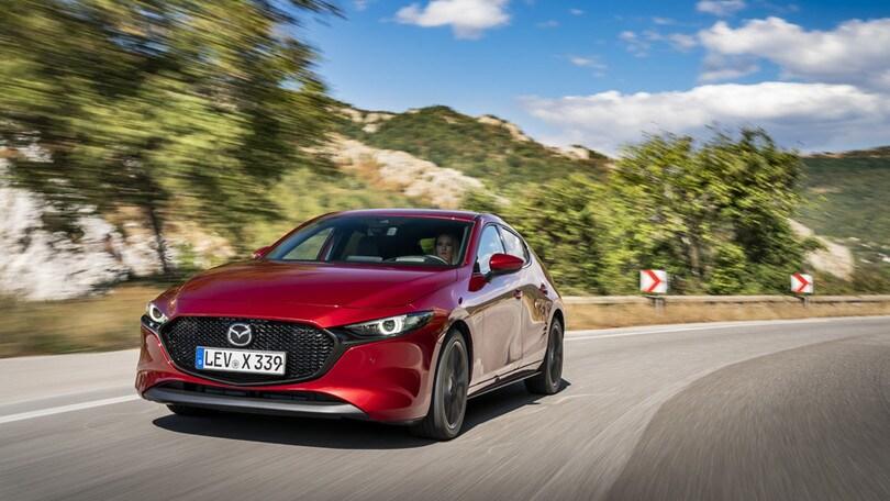 Tra moglie e marito non mettere il dito: meglio una Mazda3