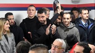 Bologna, tutta la squadra assiste alla conferenza di Mihajlovic