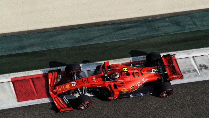 Gp Abu Dhabi, Hamilton in pole: disastro Ferrari con Leclerc!