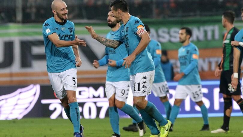 Il Benevento vince e resta in testa. Pari tra Crotone e Cittadella, poker del Frosinone