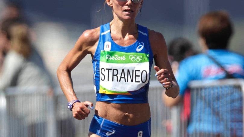 Valeria Straneo 2:30:43 al rientro, Cheptegei record