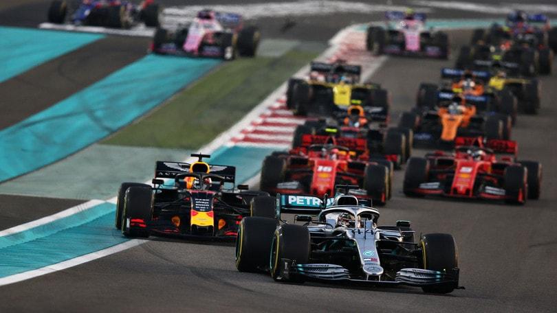 Gp Abu Dhabi: Hamilton vince davanti a Verstappen, Leclerc terzo