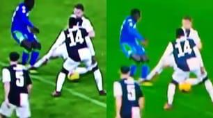Juve-Sassuolo, il contatto Duncan-De Ligt