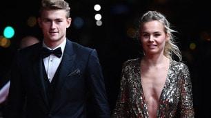 Pallone d'Oro: De Ligt con Annekee, Messi con Antonella. Le wags incantano Parigi