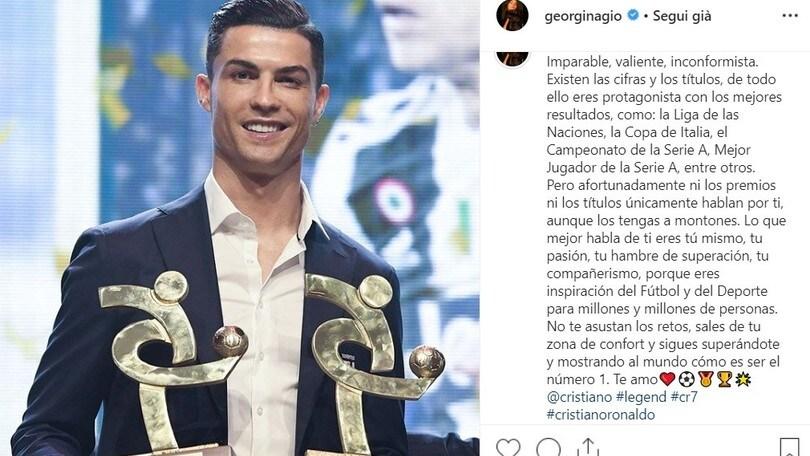 """Juve, Cristiano Ronaldo si riconsola con mamma Maria Dolores e Georgina: """"Sei il nostro eroe"""""""