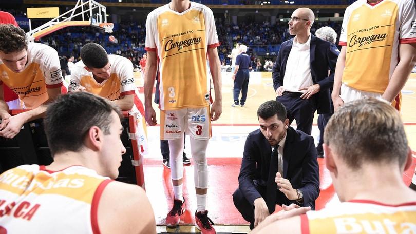 Perego esonerato da Pesaro, torna coach Sacco