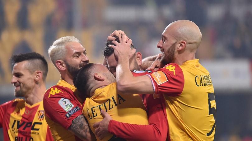 Viola trascina il Benevento: tripletta al Trapani, è 5-0