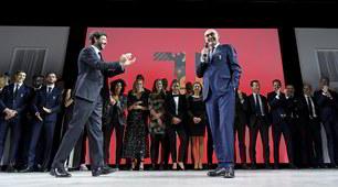 Juve, aria di festa: Agnelli brinda con la squadra