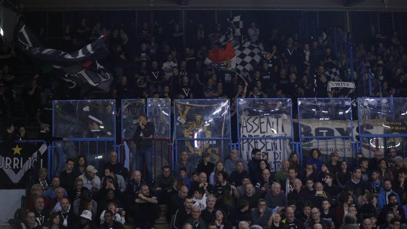 Serie A, Daspo a 22 tifosi di Reggio Emilia e Virtus Bologna