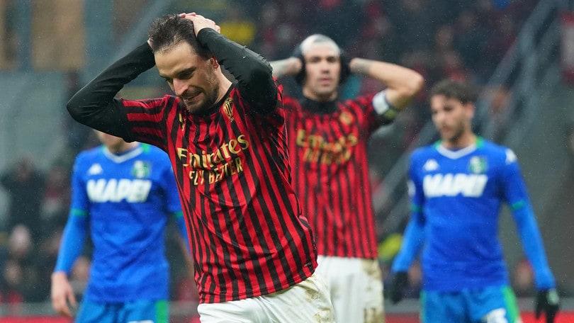 Milan costretto al pari dal Sassuolo, gioia Bologna: 2-1 all'Atalanta