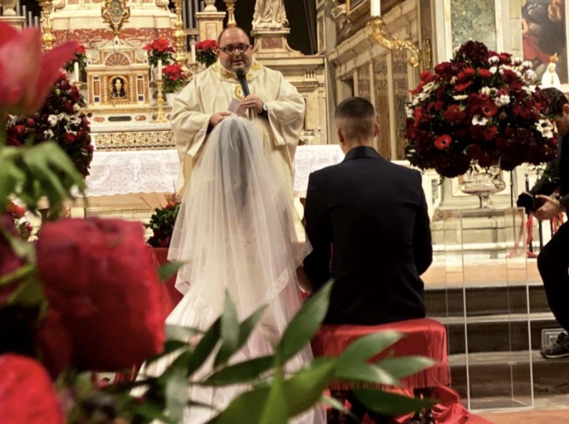 """""""Viva gli sposi!"""" Ecco il matrimonio di Gianluca Mancini con la sua Elisa"""