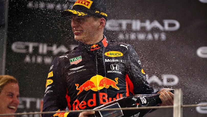 F1, Verstappen rinnova con la Red Bull fino al 2023