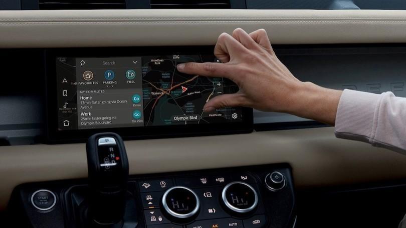 CES 2020: Land Rover Defender con connettività avanzata