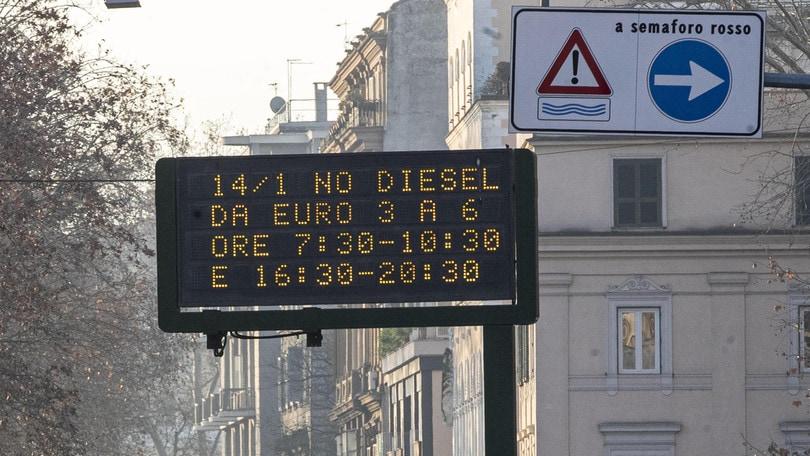 La Sindaca Raggi blocca la circolazione ai veicoli Diesel a Roma. È davvero utile?