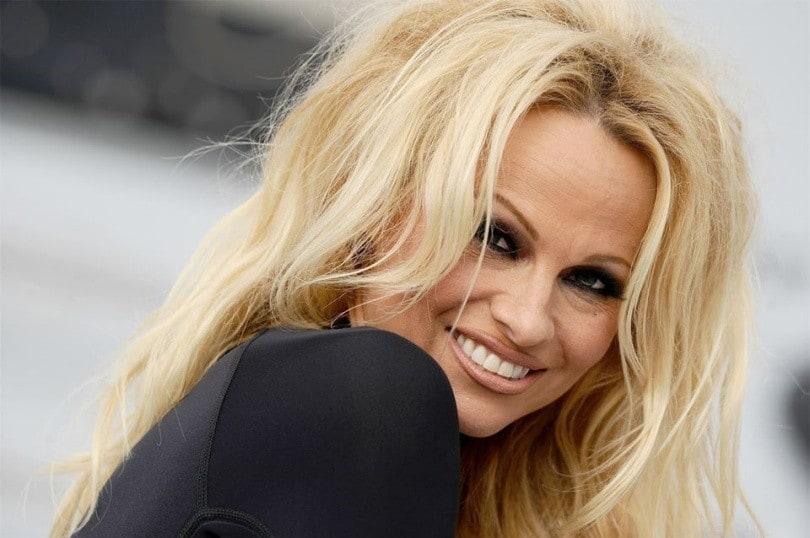 Pamela Anderson sposa per la quinta volta: le immagini