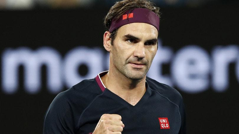 Federer fa 100 agli Australian Open e centra gli ottavi