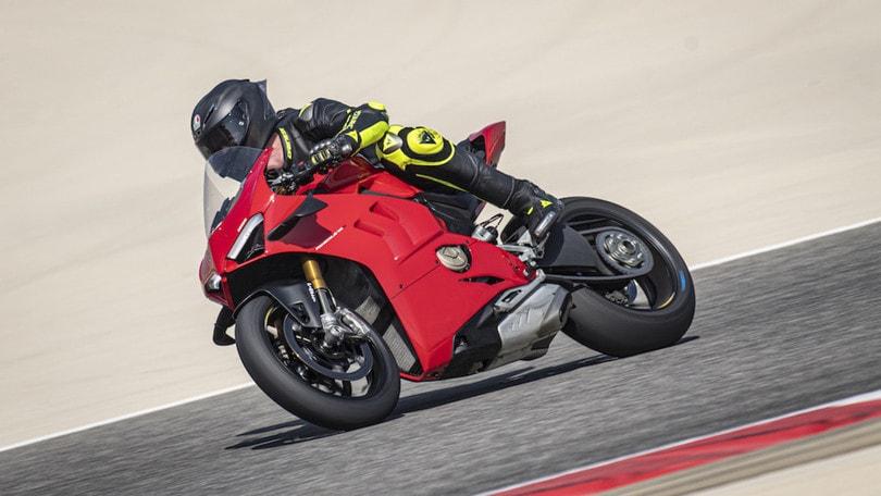 Ducati Panigale V4S: in pista con la