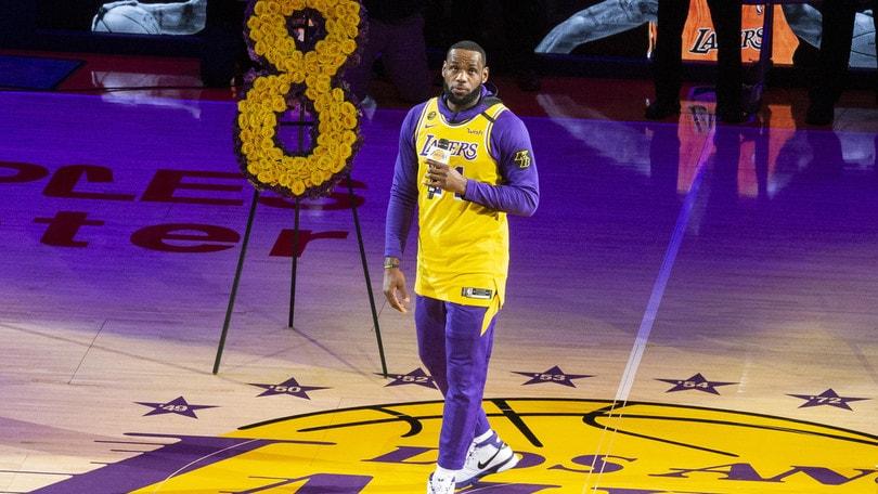 Bryant, il ricordo dei Lakers. LeBron: