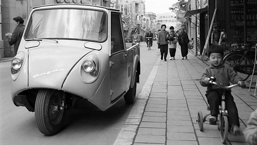 Mazda 100 anni: immagini lunghe un secolo VIDEO