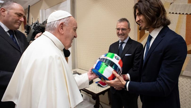 Alfa Romeo, Giovinazzi incontra Papa Francesco