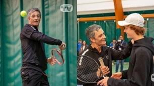 Fiorello si riposa da Sanremo e sfida Sinner a tennis