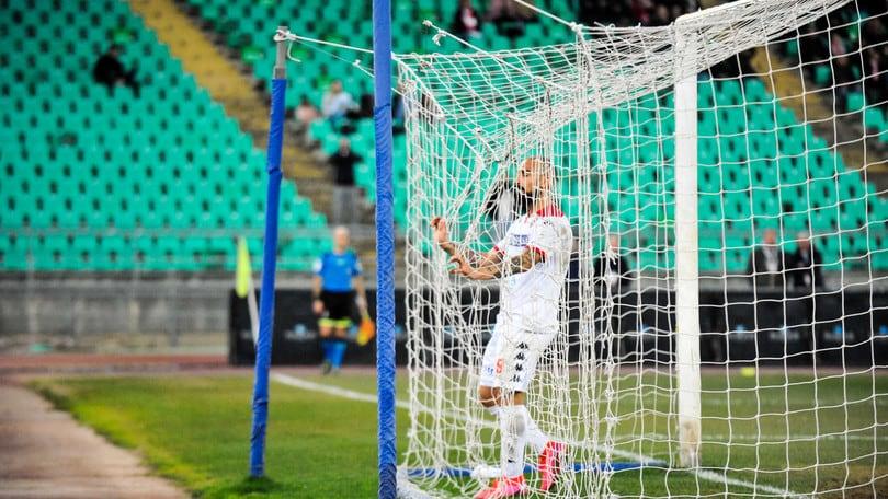 Bari, a Monopoli è 2-2. Il Catania torna a vincere, pari per l'Avellino