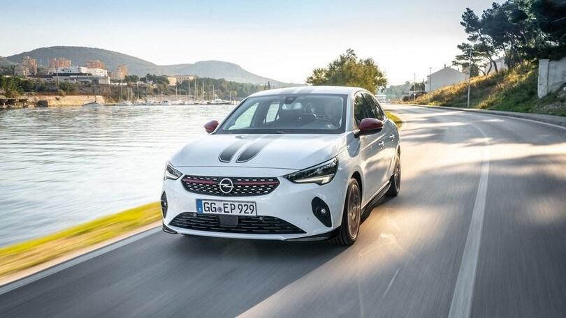 Opel Corsa, disponibili kit e accessori per la personalizzazione