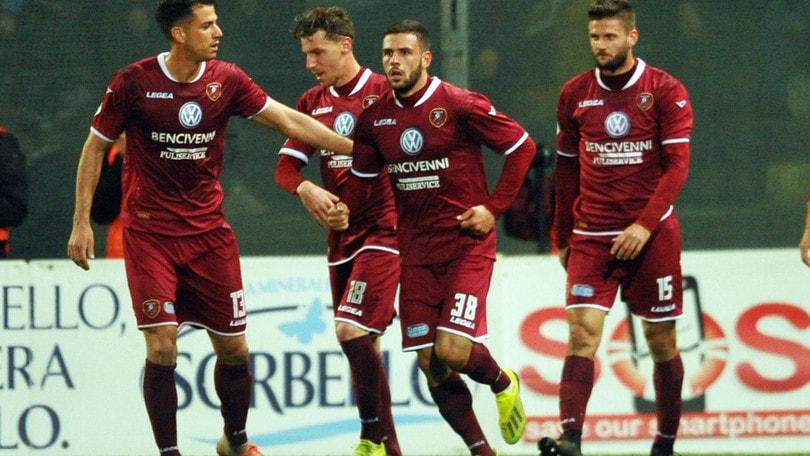 Reggina-Ternana 1-0: la bomba di Liotti vale il +8 sul Bari