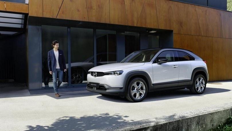 Mazda e-Talks MX-30: facciamo luce su elettrico e mobilità VIDEO
