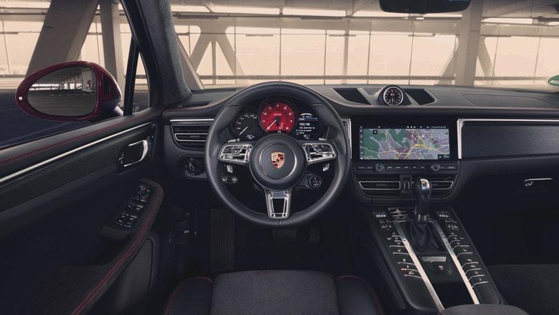 Porsche Macan GTS, SUV da 380 CV alla prova