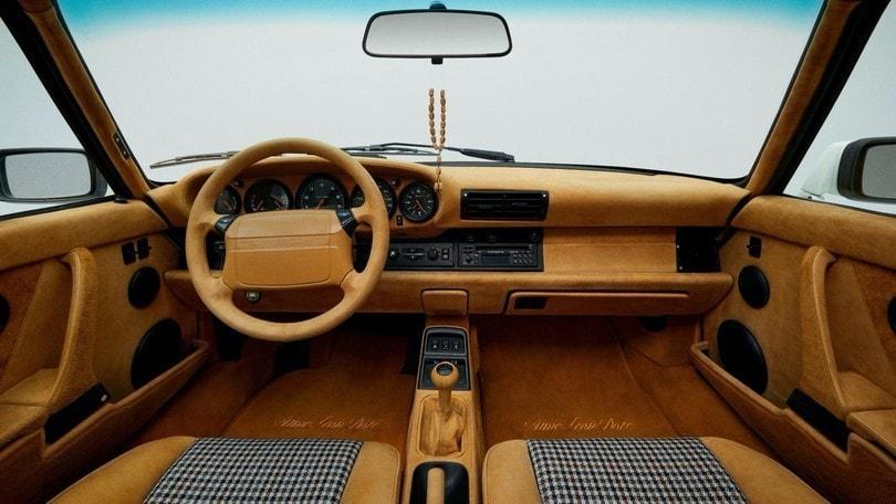 Porsche 911 Carrera 964, restauro alla moda firmato Aimé