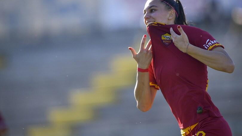 Una super Roma schianta l'Hellas Verona, domani il big match Juve-Inter