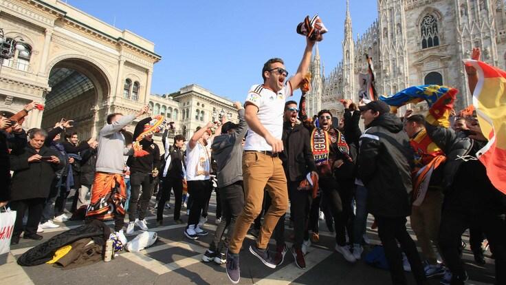 L'invasione valenciana a Milano davanti al Duomo