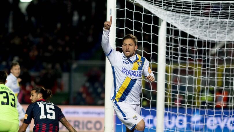 Frosinone, 2-0 al Cosenza e 5ª vittoria di fila: Nesta vola al secondo posto