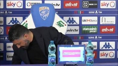 """Domanda per Gattuso, ma lui ferma tutto: """"Aspetta che cado"""""""