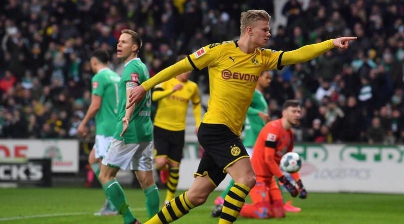 Haaland ancora in gol con il Dortmund. Ok il Lipsia, crolla l'Hertha di Piatek