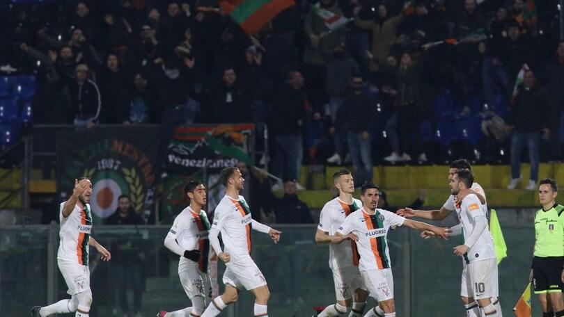 Pisa-Venezia 1-2: Longo firma la rimonta nello scontro salvezza