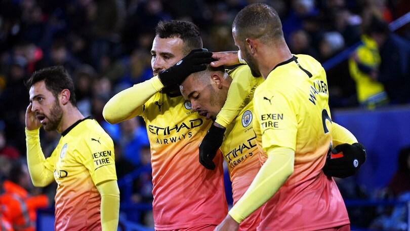 Premier, il Manchester City batte il Leicester. Il Chelsea stende il Tottenham di Mourinho