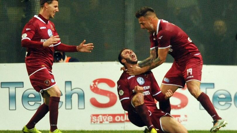 Serie C, la Reggina vince 1-0 a Catanzaro e vola a +10 sul Bari