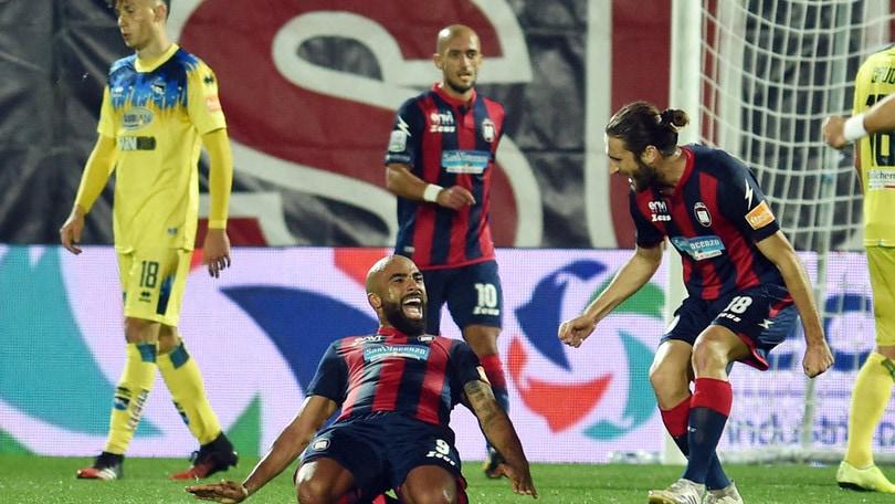 Crotone show: Armenteros e compagni distruggono il Pescara 4-1